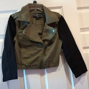 Ali & Kris olive green black jacket small